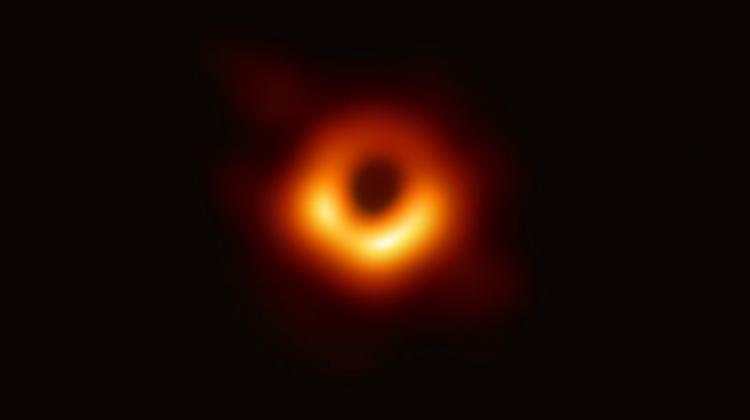 #JestemStartowcem: nasz laureat w zespole astronomów, który zaprezentował pierwsze zdjęcie czarnej dziury. Dr inż. Maciej Wielgus