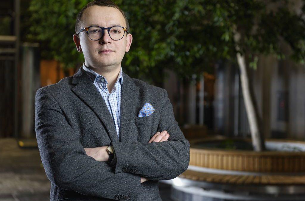 #JestemStartowcem: Z laboratorium do przemysłu. Jak zostałem rzecznikiem patentowym – opowiada dr inż. Cezary Samojłowicz